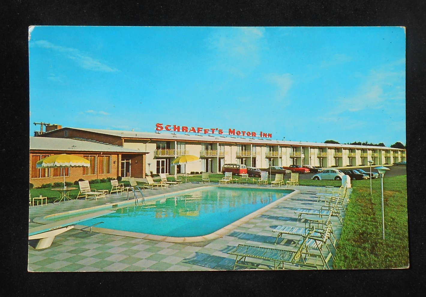 amp; Motor Inn, Route 9W, Albany, Albany County, New York Postcard